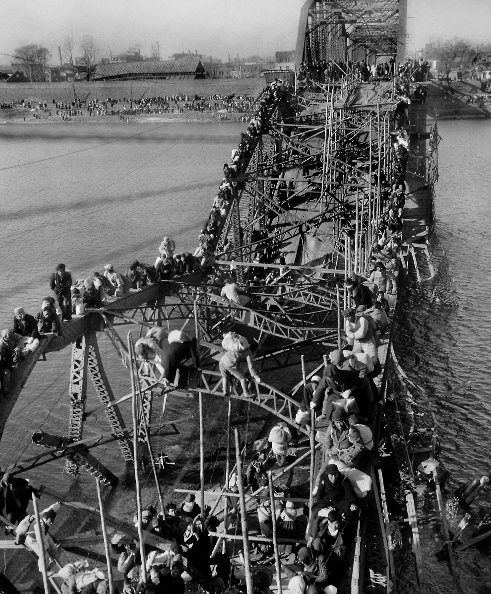 Taedong Bridge during the Korean War