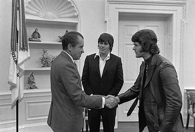 Nixon meeting Elvis's bodyguards