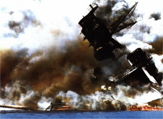 The USS Arizona (BB-39) burning after the Japanese attack on Pearl Harbor, 12/07/1941