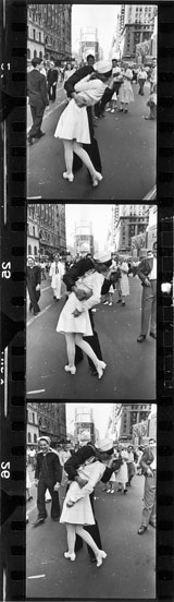 Three Frames lookback kiss